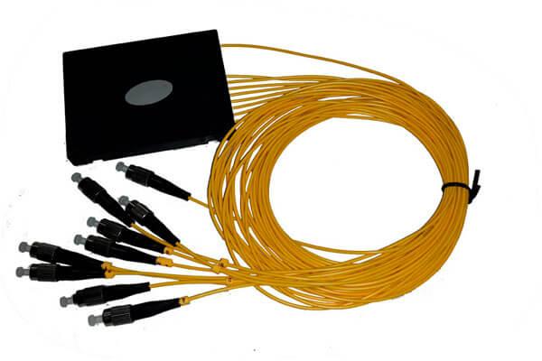 разветвитель сплавной 1х8 оконцованый FC/UPC 9/125 вывод 1.0м буфер 3.0мм 1310/1550